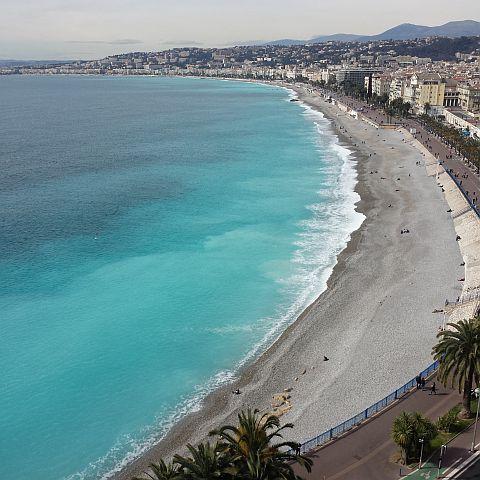 De term côte d' azur begrijp je wel, als je de Middellandse zee zo beziet. Wat een intense kleur.