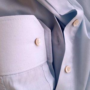Ik wilde het overhemd in actie fotograferen, maar het lag alweer in de wasmand... Het heeft zijn eerste gebruik al gehad.